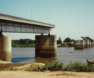 1992, Chroy Changvar Bridge (Chroy Changvar, Cambodia)